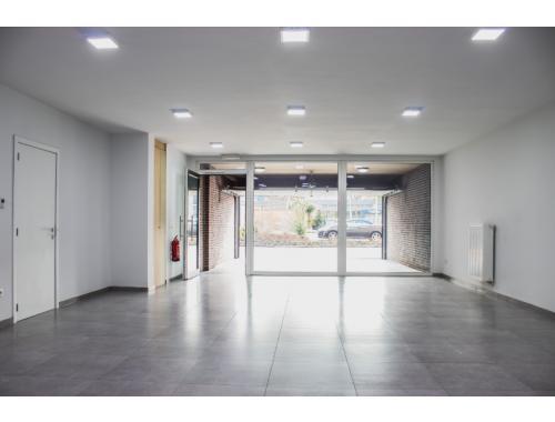 Kantoorruimte te koop in Sint-Niklaas, € 229.500