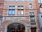 Uitzonderlijk goed gelegen gebouw in het hart van Leuven centrum, meer bepaald in de opgewaardeerde Tiensestraat! Werd volledig vernieuwd en is 100% v