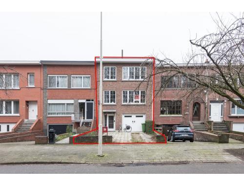 Commercieel Gebouw te koop in Wilrijk, € 260.000