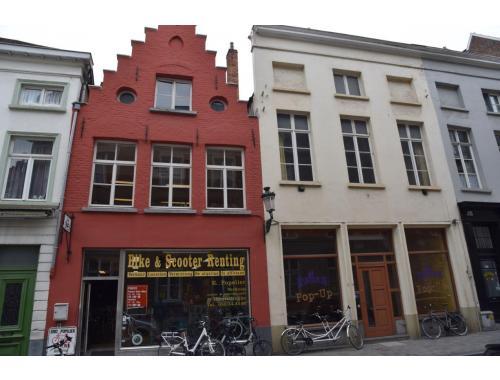 Commercieel Gebouw te koop in Brugge, € 630.000