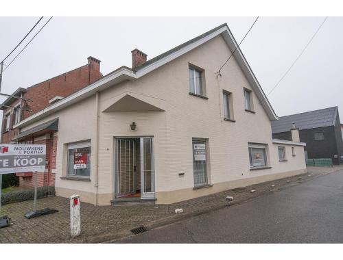 Woning te koop in Zoersel, € 147.000