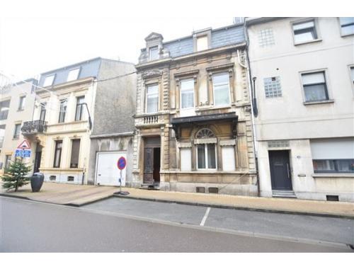 Herenwoning te koop in Arlon, € 300.000