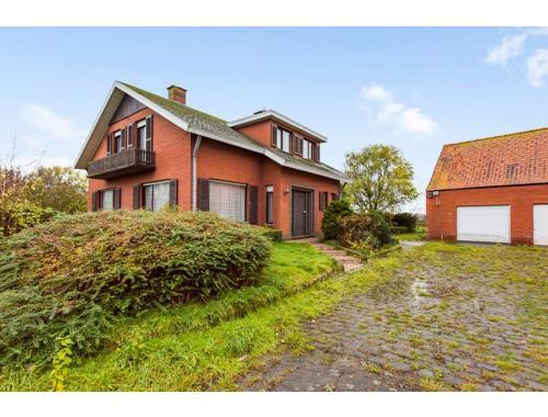 Hoeve te koop in Langemark, € 450.000