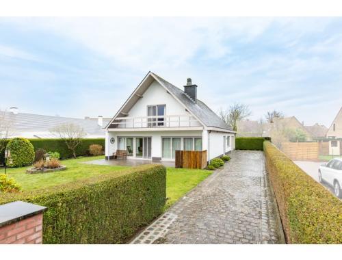 Villa te koop in De Haan, € 465.000