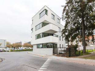 Te Huur, Studio in  nieuwbouw op 5 minuten fietsen van Gent Centrum, vlakbij recreatiegebied de Blaaremeersen en Watersportbaan. Vlotte busverbinding