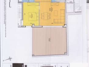 Zonnig appartement in nieuwstaat. Groot terras (35m²) met ZW oriëntatie. MIELE apparatuur. Vrij vanaf 1 juli. Mogelijkheid voor garage voor 1 wagen.