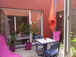Superbe Appartement à louer Comines Belgique plain - pied très lumineux et spacieux avec grande cuisine salon, salle à manger donnant sur un patio ext