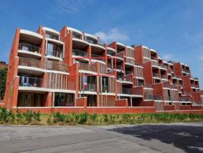 Gelegen op de tweede verdieping, dit appartement biedt u een oppervlakte van 169 m ² waaronder 39 m ² terrassen in AF Zélia boven de stad en het zuide