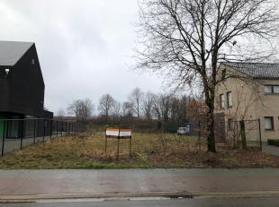 Bouw zelf je energiezuinige woning naar eigen wens!<br /> <br /> Bouwgrond 589 m2 voor open bebouwing, gelegen nabij het centrum zonder de lasten van