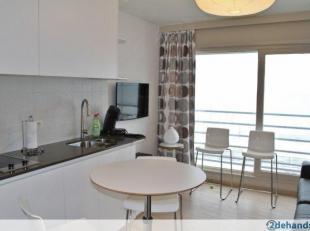 Vakantieverhuur vanaf 220€/week<br /> <br /> Zeedijk : Frontaal zeezicht. <br /> <br /> Ligging : de studio is gelegen op de 1ste verdieping van gebou
