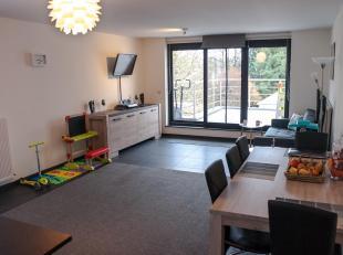 Ruim modern app. te huur met 2 slaapkamer. Een van de twee appartementen die gesitueerd zijn boven winkel Produo op de Hasseltweg. Hoofdgebouw is voll