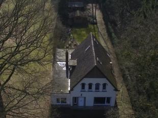 te koop landhuis tussen turnhout en vosselaar ruime living met open keuken wasplaats berging kelder 3 a 4 slaapkamers zeer ruime garage van 120 m nieu