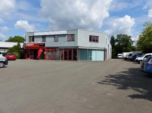 Gezellig appartement met parking in Hasselt.<br /> Goed gelegen net buiten de grote ring Richting Diepenbeek.<br /> 90m2.<br /> Wordt bij voorkeur ver