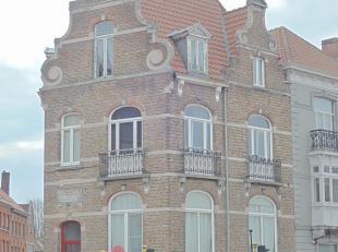 Eengezinshoekwoning (half gerenoveerd) tussen de Beenhouwersstraat en de Guldenvlieslaan. Ideaal voor B&B, studentenkamers, kantoor, praktijk.<br /> <