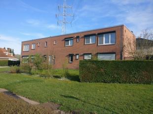 """Omschrijving<br /> <br /> Dit appartement is gelegen op een zeer goede locatie aan de residentiële wijk """"Stalenheide"""". De oprit van de E314 bevindt zi"""