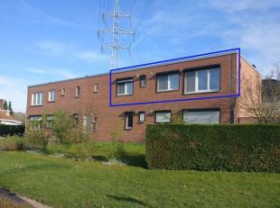 """Dit appartement is gelegen op een zeer goede locatie aan de residentiële wijk """"Stalenheide"""". <br /> De oprit van de E314 bevindt zich op +/- 500m en h"""