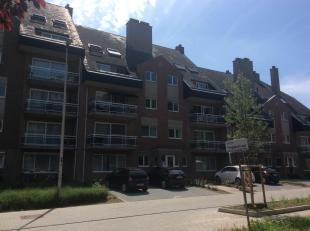 Appartement (indien gewenst bemeubeld) van ca. 105 m2, 1ste verdieping met lift, met ondergrondse garagebox met berging. Ideaal gelegen in de Muggenst
