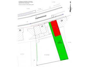 Een bouwgrond voor een half open bebouwing met een perceelgrootte van 3.06 are. Gevelbreedte 6 meter, bouwdiepte 15 meter voor 2 verdiepingen. 180m² b