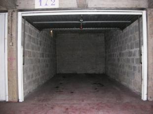 Ondergrondse garagebox in garagecomplex Binnenhof<br /> Plaats voor grote wagen<br /> Huurprijs 100€ per maand