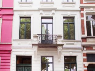 Prachtig 1 slaapkamer appartement op 1e verdieping in een herenhuis gelegen op het eilandje van de Visserij, net volledig gerenoveerd.  Uitstekende li