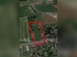Bouwgrond zonder bouwverplichting van 1584 m2.  20 * 89<br /> <br /> zuidgerichte tuin