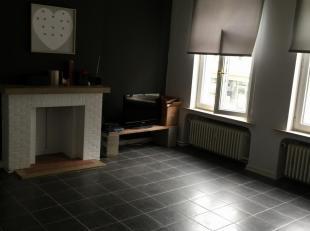 App te huur in centrum van<br /> 575€ per maand <br /> <br /> -Grote living <br /> -badkamer <br /> -ruime keuken<br /> -1slaapkamer<br /> - waskot <b