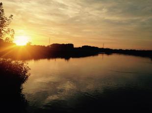 Het Zennegat is een bijzondere plek waar de Dijle de Zenne en het kanaal Leuven Dijle samenkomen in een watergebied  met fantastische zonsondergangen.
