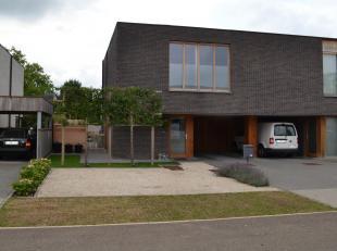 Het centrum van Diepenbeek, de locatie bij uitstek voor wie snel in de omliggende gemeentes Hasselt of Genk moet zijn, en toch de drukte van de hoofds