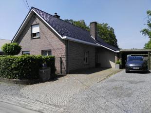 mooi en rustig gelegen instapklare woning!<br /> Nieuwe keuken/tot in de nok isolatie / nieuwe dakgoten