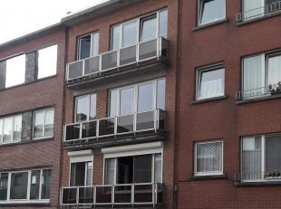 Zonnig 2 slaapkamer appartement in nabijheid van Boekenbergpark<br /> <br /> Bij het betreden van het appartement kom je in een ruime inkomhal die jou