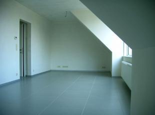 Appartement te koop in nieuwbouw-renovatie project bestaande uit 3 wooneenheden alle met terras, afgesloten buitenstaanplaatsen, regenwatertank van 10