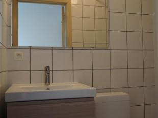 volledig vernieuwd 1 slaapkamer appartement in het centrum van Kuringen met alle <br /> <br /> <br /> - ingerichte keuken (wasbak + kraan, keramische