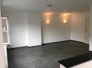 WELKOM KIJKMOMENT ZATERDAG 20 OKTOBER 17.00U-18.30U. Prachtig appartement te huur met 1 slaapkamer(+rolluik) op 1ste verdiep. Dubbele beglazing.Elektr