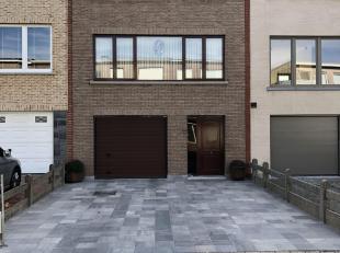 Charmante goed onderhouden bel-étage <br /> <br /> Deze ruime op te frissen bel-étage is gelegen in een rustige, residentiële woonwijk, met een uitste