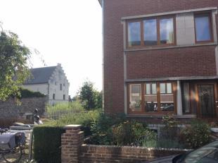 Volledig gerenoveerde en instapklare gezinswoning te koop (3 verdiepingen + ruime kelder) op een unieke locatie in hartje Tongeren, laatste huis in ee