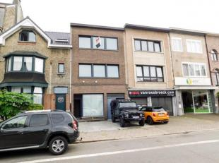 Mooi gerenoveerd appartement op de 1ste verdieping. Zeer goede ligging op de grens van Merksem en Schoten. Dichtbij winkels, scholen, openbaar vervoer
