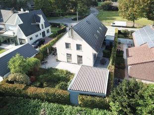 Heel ruime, jonge woning op uitstekende ligging in Wetteren.<br /> Uit de hand te koop / Particuliere verkoop!!! Bel voor Afspraak 0472/33 44 64. Deze