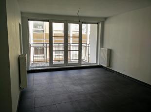 (Google translate :-))<br /> <br /> Appt au 2ème étage d'un immeuble construit en 2008<br /> à 300m de la Rue Neuve, près de la place Rogier et place