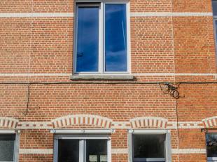 Gezellige en instapklare stadswoning met drie slaapkamers aan de vernieuwde Vaartkom. Uitstekende ligging: op 10 minuten wandelen van het stadscentrum