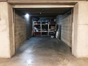 Ondergrondse garagebox in de Muggenstraat met een oppervlakte van 18m². Centrale ligging binnen de grote ring van Hasselt, dichtbij autosnelwegen en o
