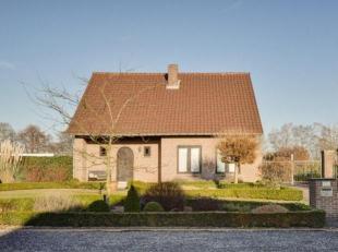 Ligging<br /> Goed onderhouden, instapklare gezinswoning gelegen te Kiewit, Hasselt<br /> Open bebouwing gelegen op 10.06a<br /> Volledig omheind met