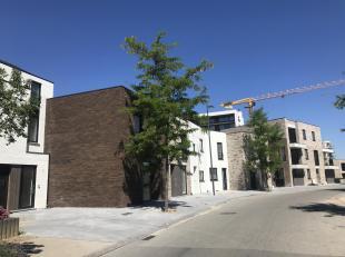 Deze nieuwbouw woning bevindt zich in een autoluwe straat en op enkele minuten rijden van centrum Hasselt. <br /> Goed bereikbaar door station en auto