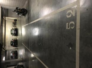open parkeerplaats, afgesloten ondergrondse privé garage, inkom badge, op 3 min wandel afstand van Gent Sint-Pietersstation, onmiddellijk beschikbaar