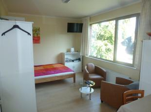 Fully furnished studio,   all including, pots & pans, sheets etc<br /> tv and internet, washing machine & dryer<br /> Quiet neighborghood, public tran