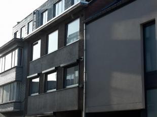 Studio te huur in centrum op wandelafstand van TT wijk en Kolonel Dusartplein,<br /> vlakbij Scholen en Ziekenhuis.<br /> Dubbel glas en nieuwe conden