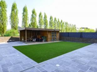 Dit energiezuinig appartement van 100m² met twee terrassen en een aangelegde tuin is gelegen aan de Boerenkrijgsingel te Hasselt. Zeer vlotte verbindi