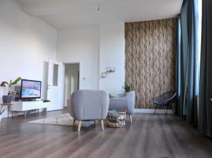 <br /> Très bel appartement de luxe (style loft) situé dans le centre-ville historique de Tongres. Ce nouvel appartement a de hauts plafonds et beauco