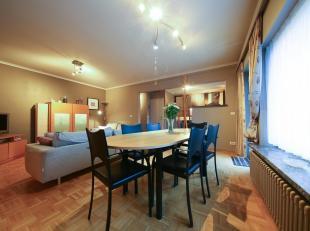 Dit instapklaar appartement bevindt zich in de buurt van Sint Elisabeth, rustig gelegen, doch vlakbij belangrijke invalswegen zoals de R8 en E17 en op