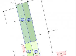 Bouwgrond voor een halfopen gezinswoning. <br /> <br /> Omschrijving:<br /> <br /> Dit zeer rustig gelegen perceel grond heeft een oppervlakte van 140
