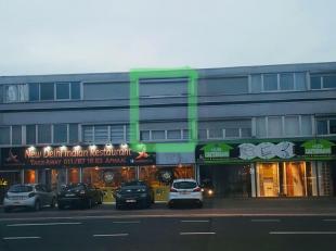 Gezellig instapklaar duplex appartement gelegen te 3500 Hasselt. Het appartement heeft een zeer goede ligging, tegenover de Carrefour, Lunch Garden,..